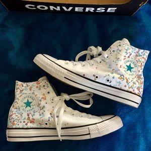 New unisex Converse